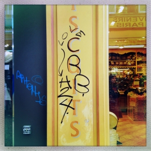 Rue de Steinkerque 12:40pm