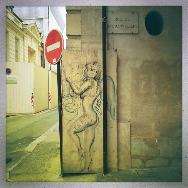Love City. 8 Rue Saint-Louis en I'lle. 4:50pm.