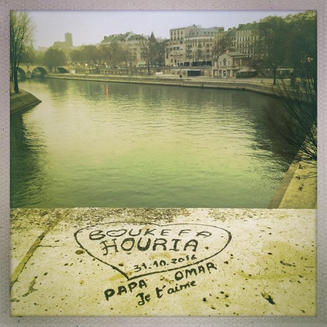 Love City. Pont de Sully. 4:53pm.