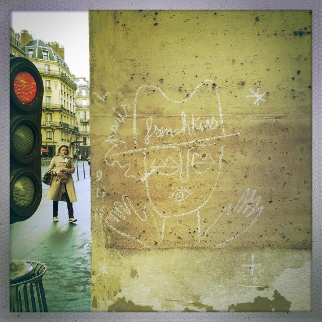 LOVE CITY. 2 Rue de l'Échelle. 3:14pm.