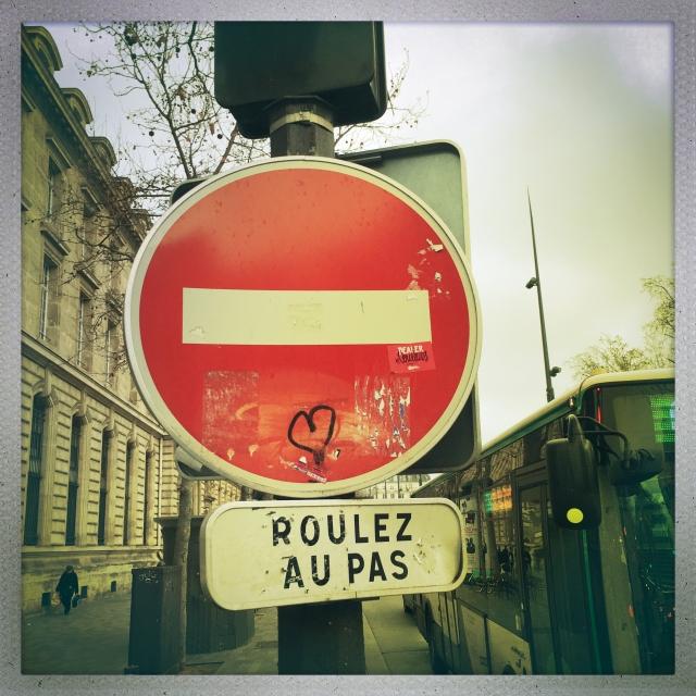 LOVE CITY. Terrasse Émilienne Moreau-Evrad. 4:40pm.