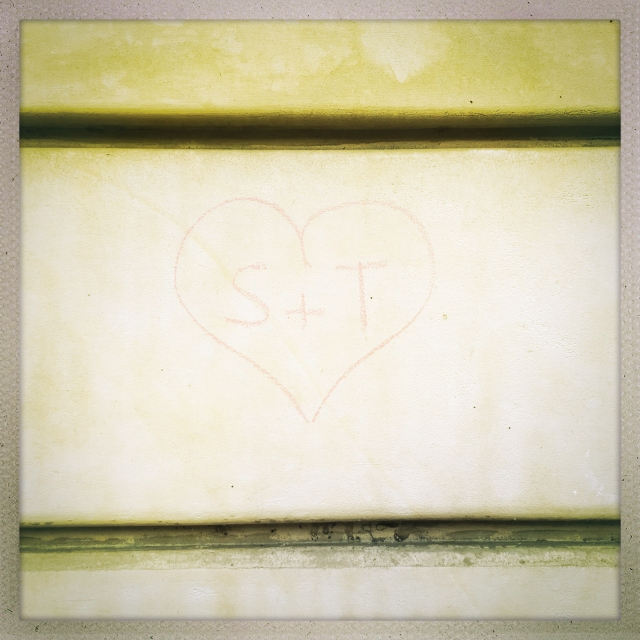 Love City. 39 Boulevard Beaumarchais. 2:05pm.