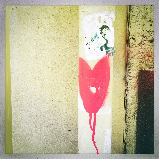 Love City. 2 Rue du Pas de la Mule. 2:07pm.